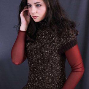 жилет с круглой кокеткой, описание, вязание на заказ, вязание для женщин, вязаные модели для женщин, безрукавка с косамикупить, купить безрукавку женскую, жилет на заказ