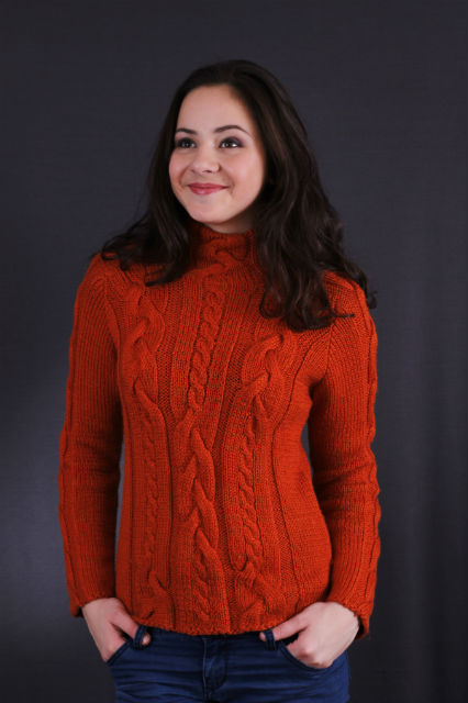 теплый свитер с аранами терракотовый, описание, вязание на заказ
