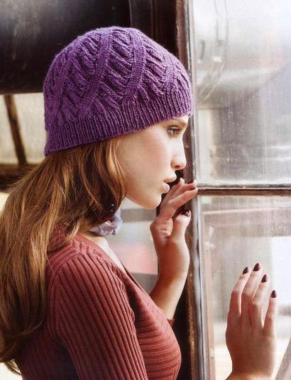 Шапка, шапка спицами, как связать шапку, шапка со спиралевидным узором, шапка с диагональным узором, шапочка женская. шапочка фиолетовая