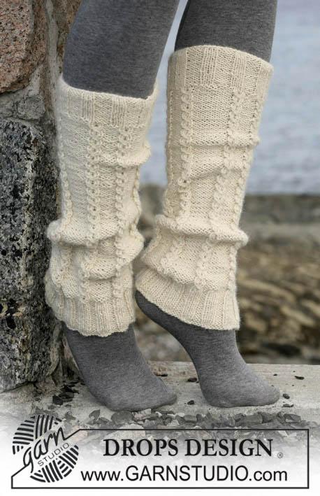 гетры, гетры белые с косичкой, высокие гетры, вязаные гетры, как связать гетры, гетры с косой, вязание спицами, вязание для женщин, вязание для мужчин, высокие носки, Носки, высокие слипперы, красные высокие слипперы, красные слипперы с косичками, высокие носки с косичками, тапочки вязаные, слипперы, вязание спицами, вязание для женщин, носки, идеи для подарков, идеи для подарков к Рождеству, Красные высокие слипперы с косичками, Drops