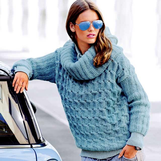 Голубой свитер, свитер женский, свитер женский с аранами, вязание женщинам, модели вязаной одежды для женщин, вязание спицами, свитер голубой, свитер с аранами, свитер с косами, вязание на заказ, вяжите с нами, вяжем вместе,свитер в оригинальными переплетениями