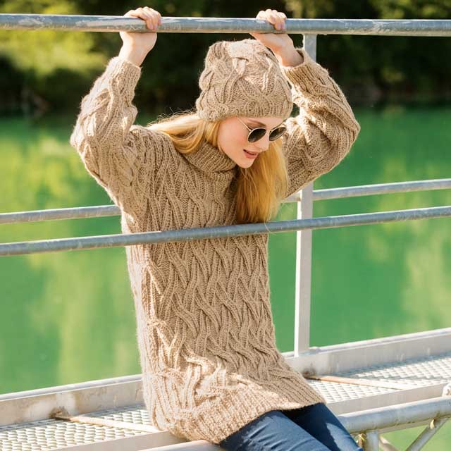 свитер с аранами, свитер с косами, свитер женский, свитер unisex, свитер бежевый, свитер женский вязаный, свитер женский ручной работы, вязание крючком, вязание для женщин, модели вязаной одежды для женщин, схемы и описание вязаных изделий, много схем и описаний вязания, в'язання спицями